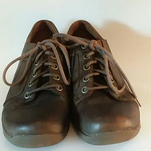 Dansko Slip Resistant Leather Lace up sneaker